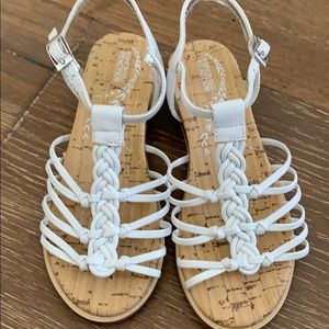 Girls white Kenneth Cole sandals